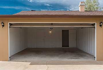 Why Garage Doors Get Squeaky | Garage Door Repair Santa Monica, CA